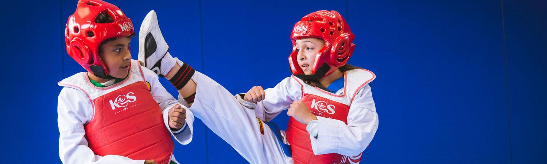 tae kwon do en colegio simon bolivar